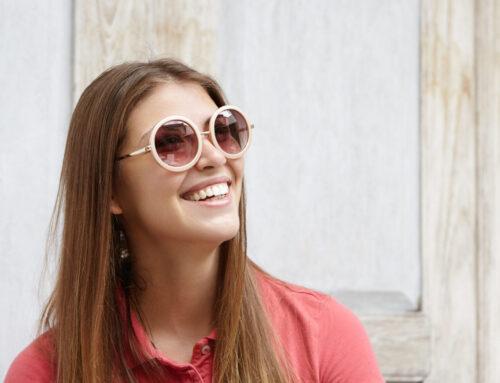 Lenti Fotocromatiche: un'unica soluzione che racchiude occhiali da vista e da sole